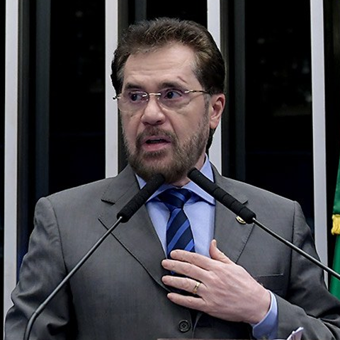Senador PLÍNIO VALÉRIO